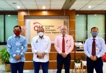 Keterangan foto dari kiri: Bambang Mukti Riyadi Kepala Regional 4 Jawa Timur, LaNyalla Mahmud Mattalitti Ketua DPD RI, Sotarduga Napitupulu Direktur Pengawasan LJK 1, Mulyanto Direktur Pengawasan LJK 2 dan Manajemen Strategis.