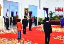 Presiden Jokowi Anugerahkan Tanda Jasa dan Kehormatan bagi 53 Tokoh.-anugerah