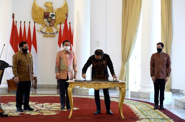 Presiden Jokowi Resmikan Gedung Sekolah Vokasi Undip.