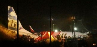 Air India Express Alami Kecelakaan, Badan Pesawat Terbelah Dua.
