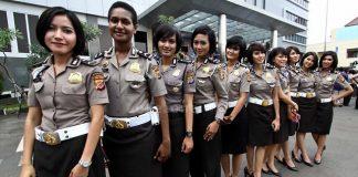 Polisi Wanita (Polwan) Polri.