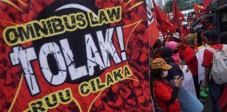 RUU Ciptaker, Buruh Menolak Kontrak Kerja Seumur Hidup.