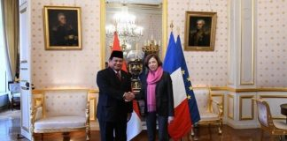 Menteri Pertahanan RI, Prabowo Subianto dan Menteri Pertahanan Prancis Florence Parly.