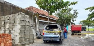 Saudara Presiden Jokowi, Yulia Ditemukan Gosong Terbakar di Dalam Mobil.