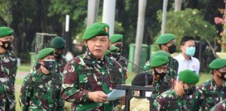 Pangdam JayaMayor Jenderal (Mayjen) TNIDudung Abdurachman.