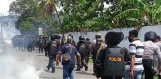 Kota Sorong Memanas, Polisi dan Wartawan Terluka Diserang Massa.