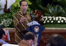 Presiden Joko Widodo (Jokowi) dalam acara Penyerahan Daftar Isian Pelaksanaan Anggaran (DIPA) dan Buku Daftar Alokasi Transfer ke Daerah dan Dana Desa Tahun 2021 di Istana Negara, pada Rabu, 25 November 2020.