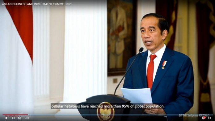 """Presiden Jokowi dalam Pertemuan ASEAN Business and Investment Summit 2020 (ABIS 2020) bertema """"Digital ASEAN: Sustainable and Inclusive"""" yang dilaksanakan di Hanoi, Vietnam, secara virtual."""