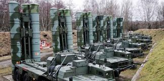 Sistem Pertahanan Rudal S-400 Rusia.