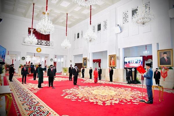 Presiden Jokowi Lantik Enam Menteri Baru Kabinet Indonesia Maju.